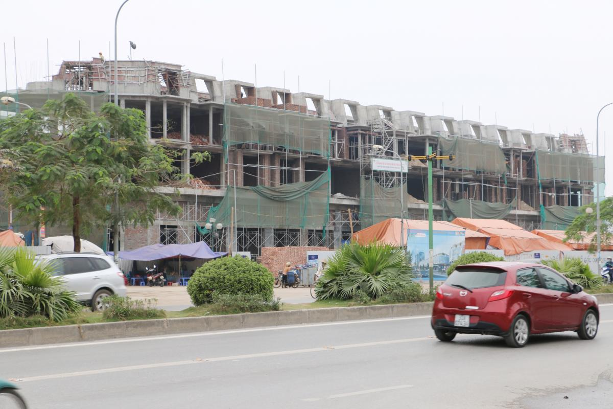 Khối-B3-ShopHouse-đang-hoàn-tất-hạng-mục-xây-tường-ngăn